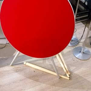Beoplay A9 including aluminum metal legs