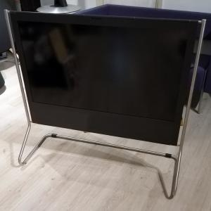 Beoplay V1 - 40 Smart TV - Black Edition