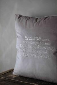 Majas Kudde, Breathe & Enjoy Life