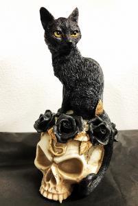 Dekoration, Katt på Döskalle