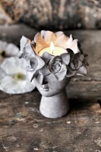 Majas, Madame Floral Ljushållare