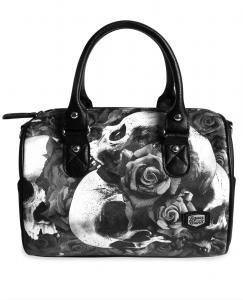 Väska, Doomed
