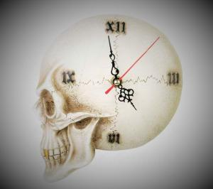 Väggklocka, Tempore Mortis Skull Wall Clock