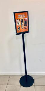 Infoställ A4 med magnethållare