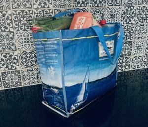 Miljövänliga kassar B 420xH 360 x D 170 mm med handtag