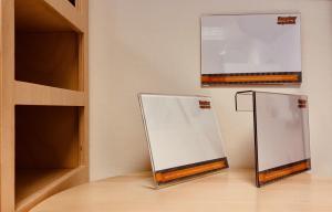 Namnskyltar A6 format skärmvägg, vägg,bordsmodell