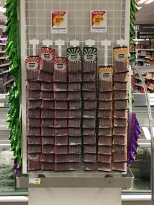 Plastslips med 12 krokar 10 kr / st  för med eller utan euro hål 10 st / fp