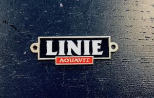 Skylt i metall logo skylt