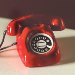 Telefon röd