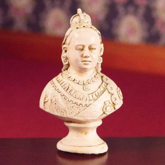 Byst stilig dam Queen Victoria
