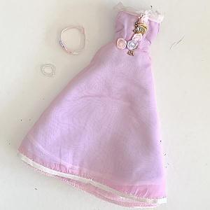 Barbie klänning blomslinga