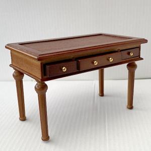 Skrivbord rödbrunt trä