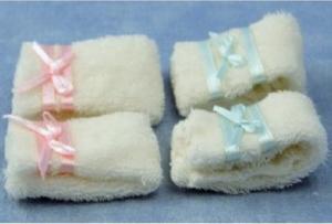 4 st handdukar vikta rosa blå