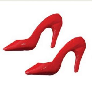 1 par röda skor pumps