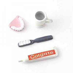 Tandborste, tandkräm, löständer o mugg