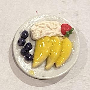 1 st dessert på fat frukt bär grädde