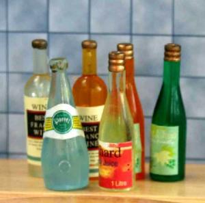 6 flaskor m diverse drycker