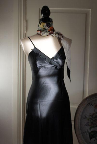 91c8871b1d80 Siden nattlinne/Underklänning , design Ranja, i Silkessatin och Organza  dekor