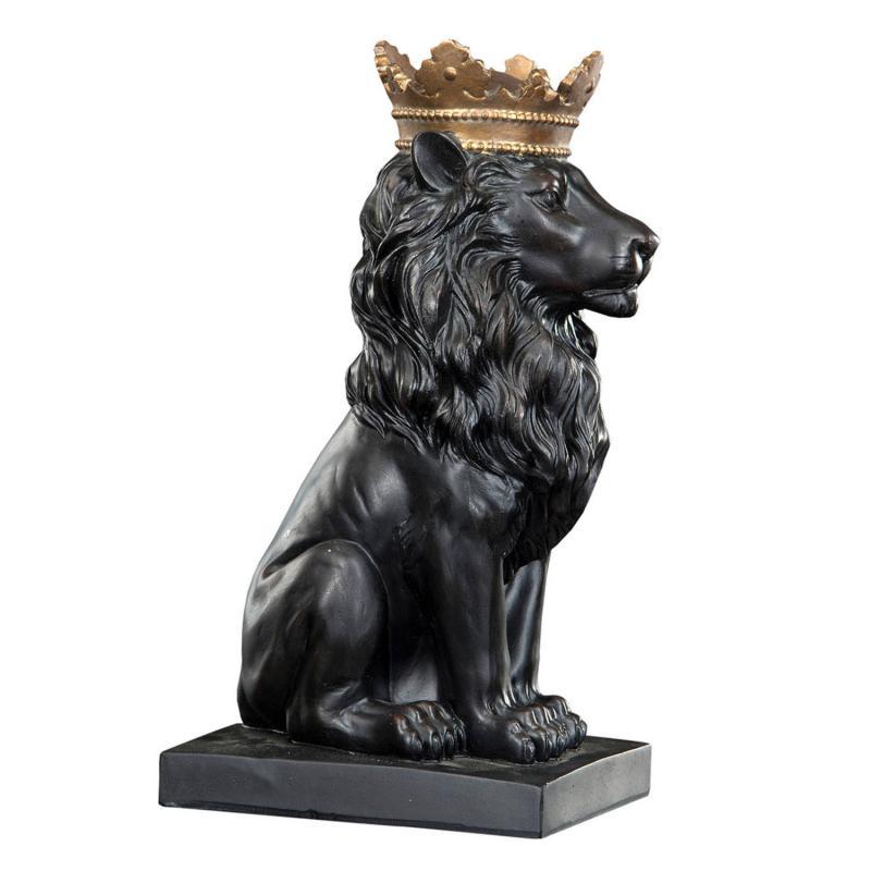 Lejon med krona- mäktig staty