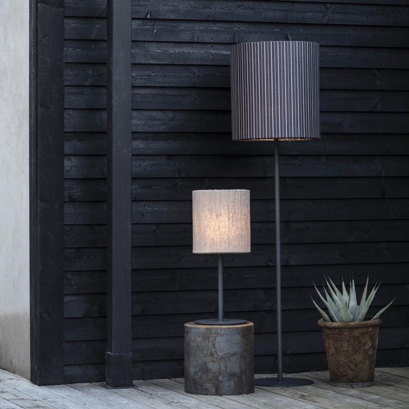 Agnar Golvlampa- Utomhuslampa med grå skärm