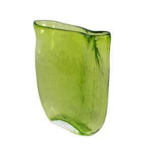 Mia vas- snygg vas i grönt glas