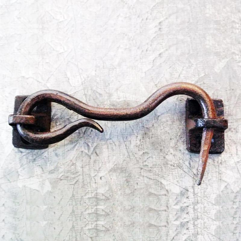 Hasp i gjutjärn gammaldags dörrhasp i metall Hasp i patinerat järn