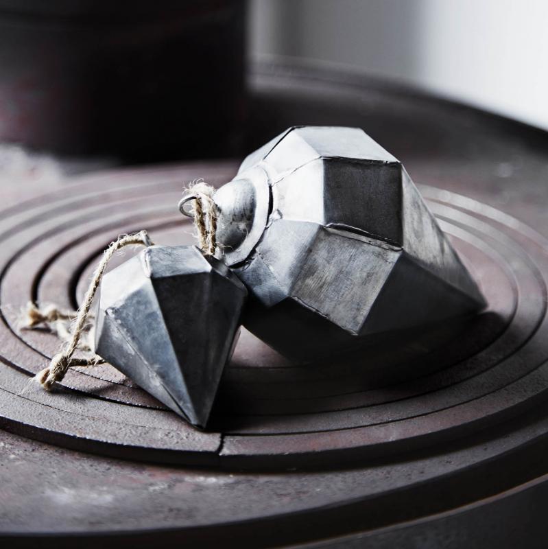 Julpynt - diamant i zink fr Madam Stoltz