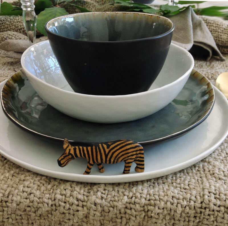 """2 st grå mattallrik - rustik tallrik """"Enkelhet""""  i keramik"""