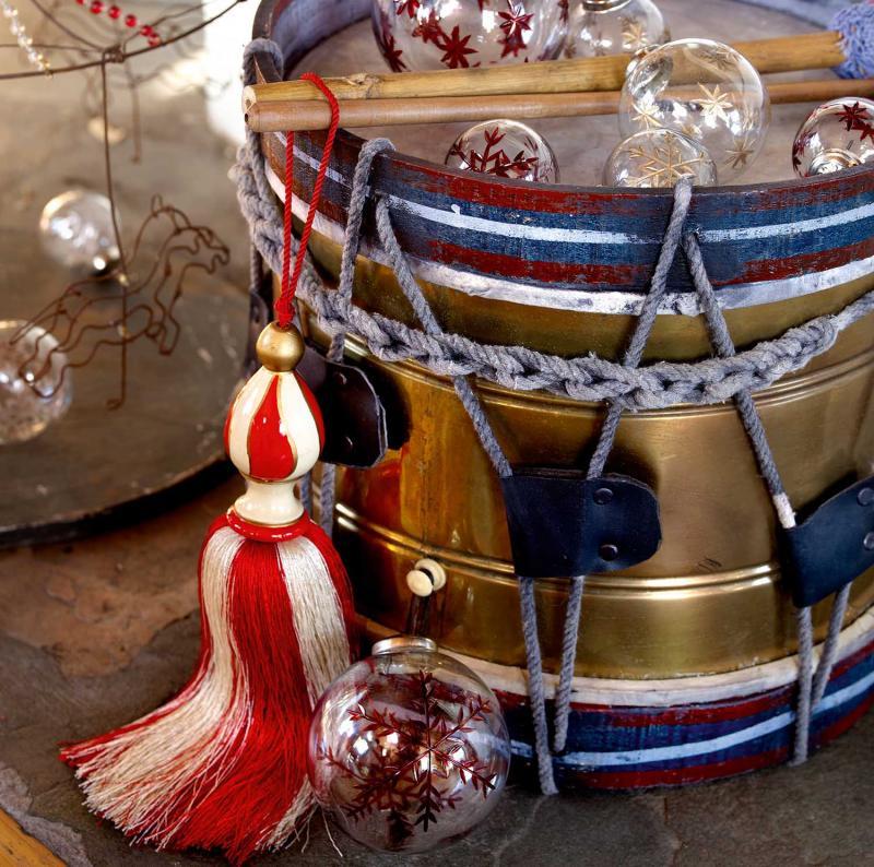 2 st tofsar - tassel i polkagrisfärger