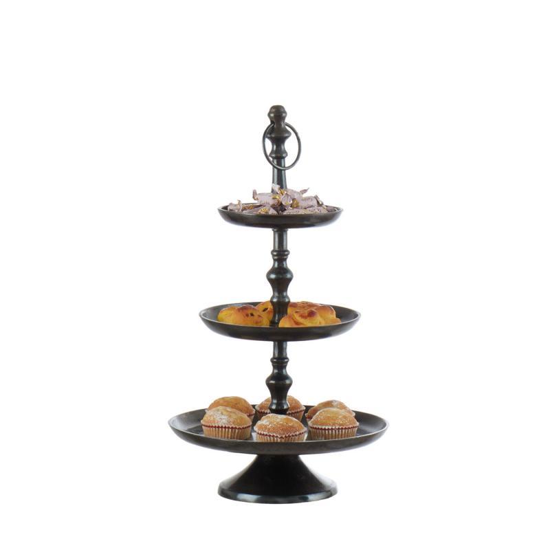 Kakfat i rustik metall från Affari - våningsfat för smart servering