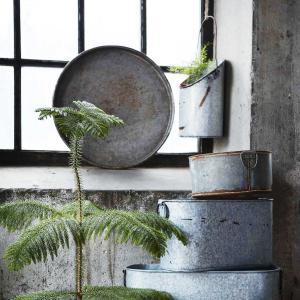 Treasure - gamla byttor i patinerad zink för plantering