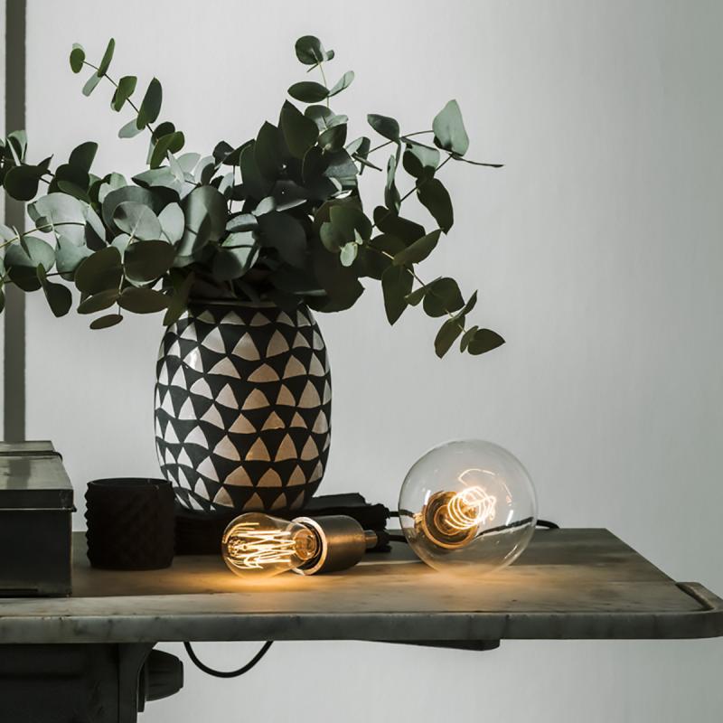 NOTICE från PR Home - lamphållare i mässing