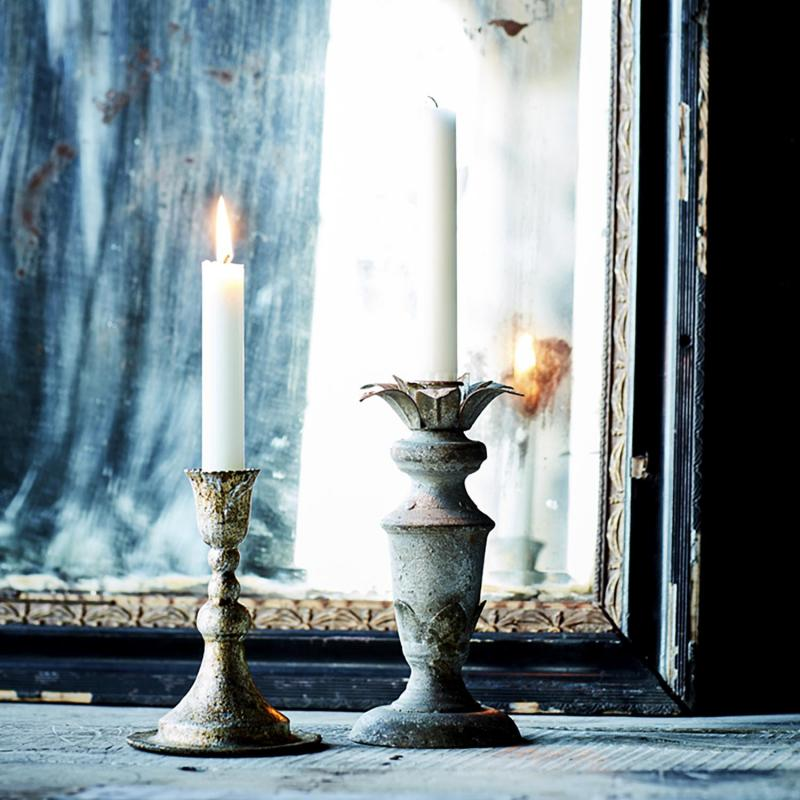 Ljusstake i patinerad metall - shabby chic & brocante