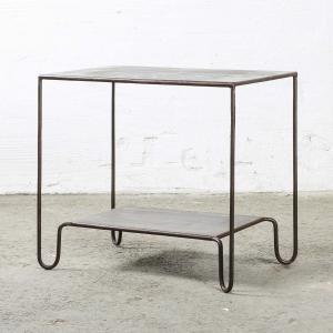 Bord med rostig finish - sidobord i metall
