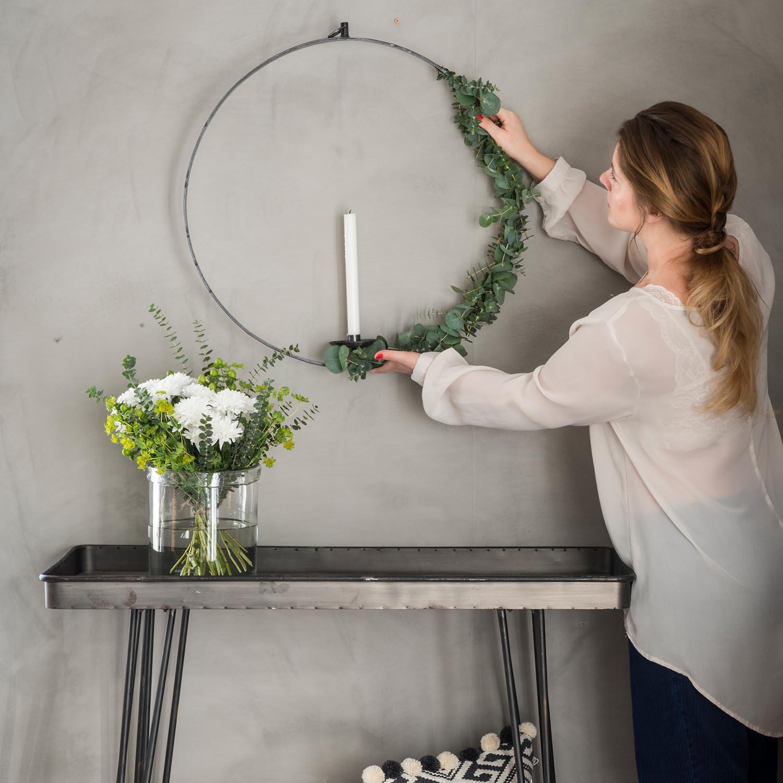 Ljuscirkel i smide rund ljusstake för vägg& fönster