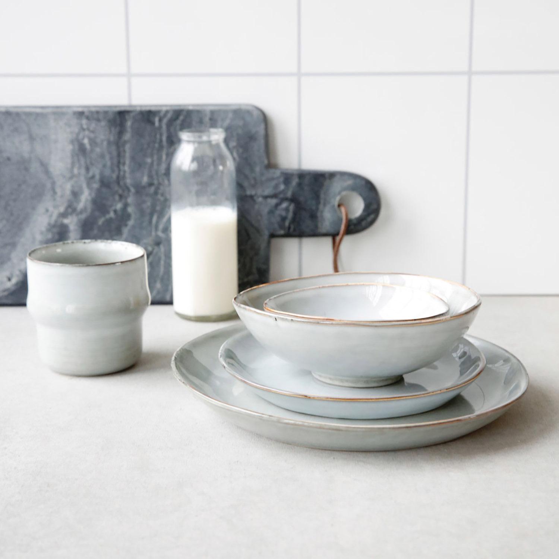 tallrik mattallrik i gr rustik keramik house doctor. Black Bedroom Furniture Sets. Home Design Ideas