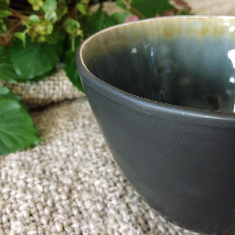 """2 st grå krackelerad salladsskål  - skål för förrätt & efterrätt -""""Enkelhet"""""""