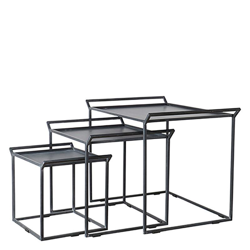set med tre stycken sidobord i metall