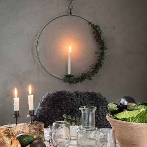 Ljuscirkel i kraftigt smide - rund ljusstake för vägg & fönster