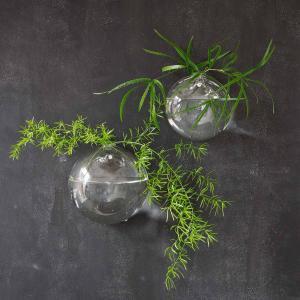 Väggvas i munblåst glas