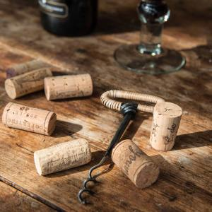 Vinöppnare i smide och bambu - korkskruv