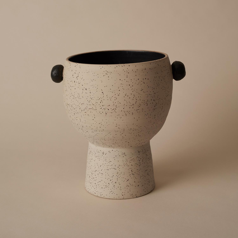 Carbon black & lava pot exclusive