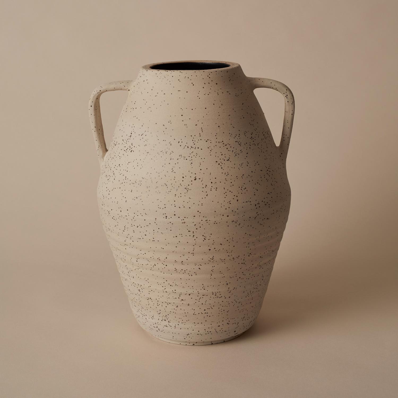 Vase, Carbon black & lava