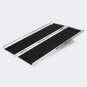 Dubbel hopfällbar rullstolramp aluminium 122x72x5 cm halkskydd