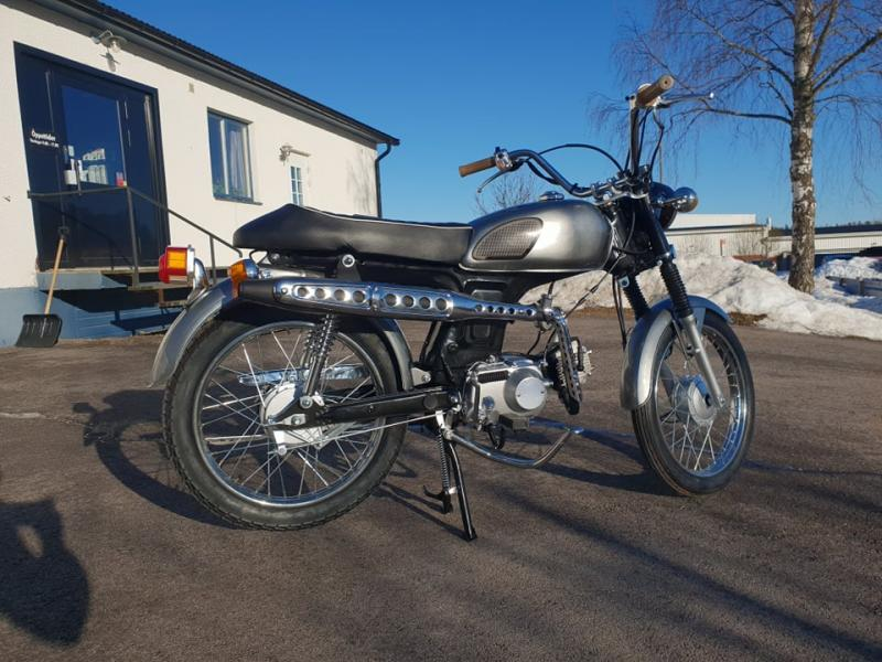 Moped Retro 2.0 72cc 5.5 HK