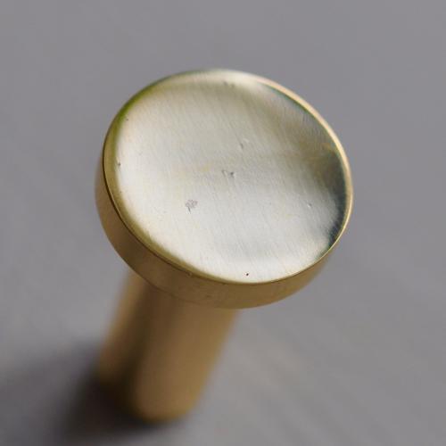 Rund mässingskrok - blank - 3 cm - s