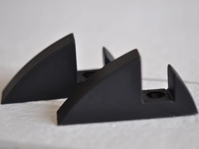 Hyllkonsol svart 16 mm