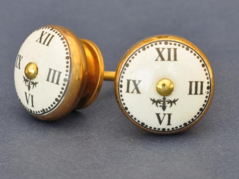Porslinsknopp - Klocka - Vit och mässing
