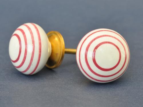 Porslinsknopp - Vit m rosa ringar