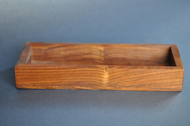 Pennask i trä